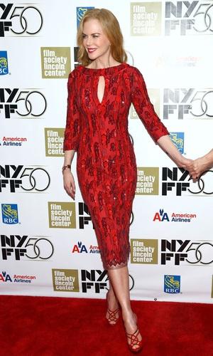 Para o red carpet do Festival de Cinema de Nova York, Nicole Kidman escolheu um look vermelho supersedutor