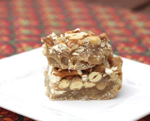 ... Butterscotch Blondie Bars with Peanut Pretzel Caramel - Honest Cooking