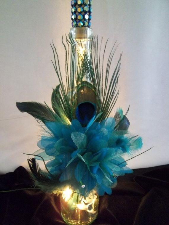 Decorado vino iluminado pavo real botella de plumas