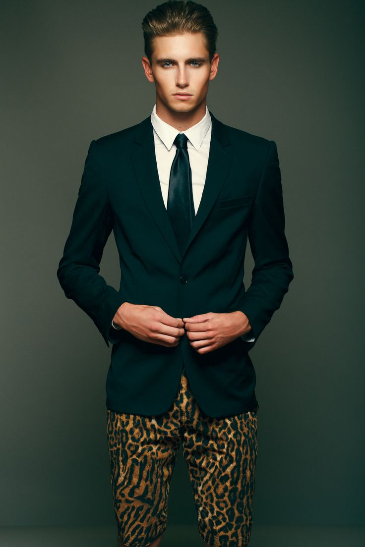 Suit and animal print: Yesss!!!!