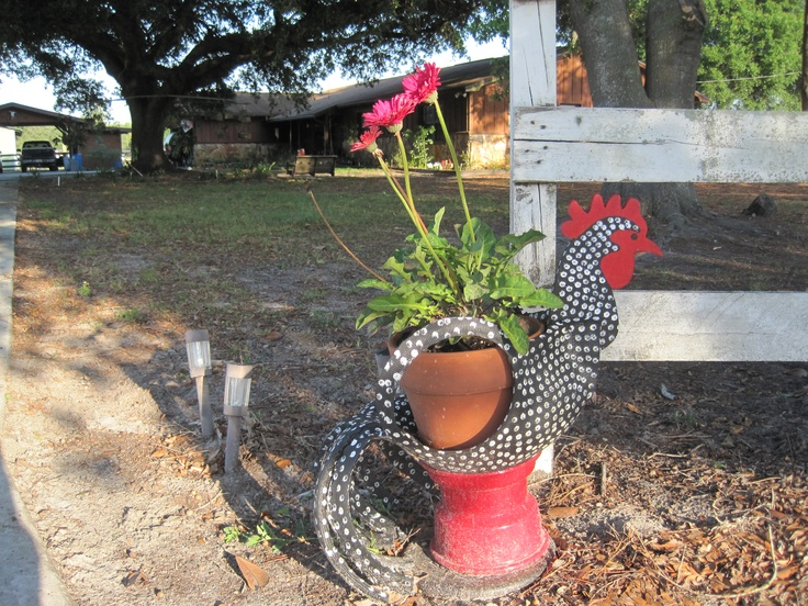 This is a planter made using an old tire recycle tires - Planters made from old tires ...