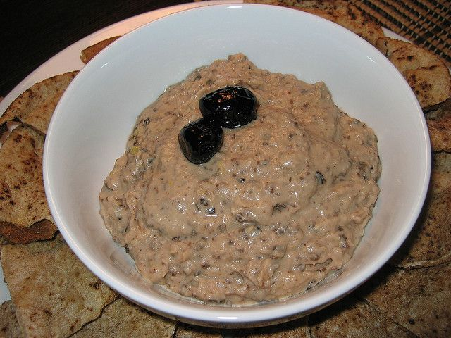 Sun Dried Olive Hummus by Kevin - Closet Cooking, via Flickr