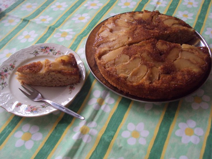 My Apple Cinnamon Upside-down Cake! 08.03.2014.... Happy Women's Day!
