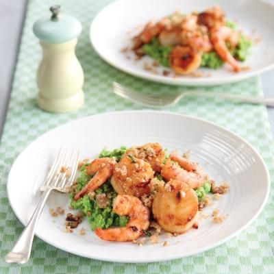 ginger butter recipes dishmaps king prawn and scallop in ginger butter ...