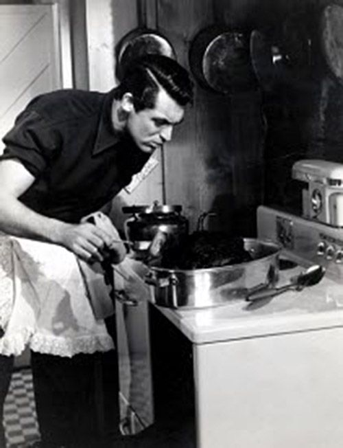 a man cooking = hot. Cary Grant cooking = even hotter.