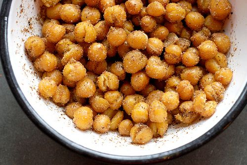 Spiced roasted chick peas. A different recipe with olive oil instead ...