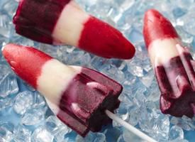 Red, White and Blueberry Lemonade Pops-Now you can make this ice cream ...
