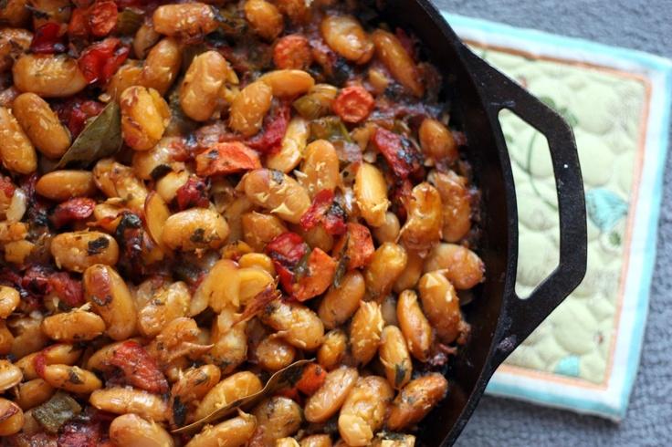 Gigantes Plaki (Greek Baked Bean Casserole)