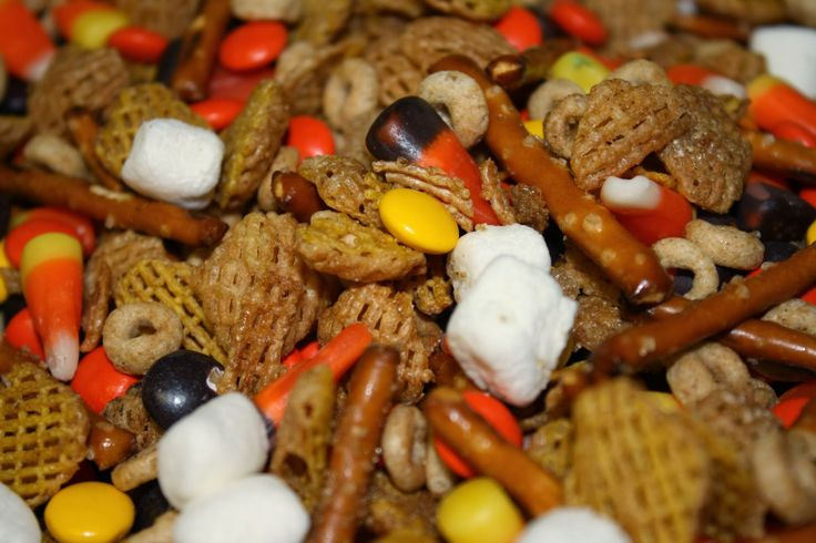 Fall Holiday Snack Mix | Other Sweets | Pinterest
