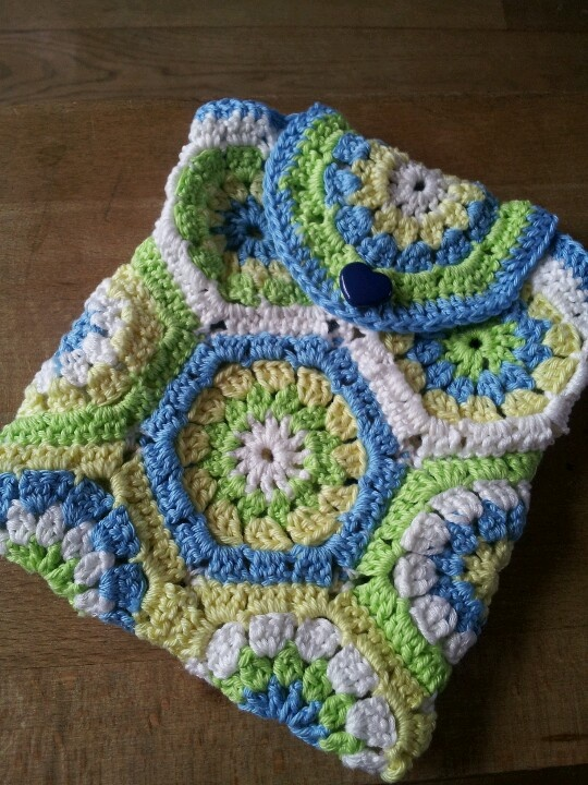 Crochet hexagon bag Crochet Purses and Bags Pinterest