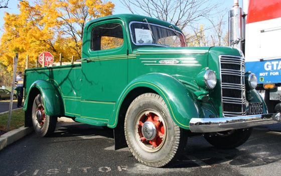 Mack Pickup Truck