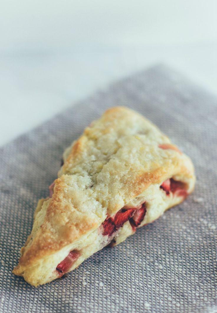 strawberry cream scones | Vanilla Bean | Baked goods | Pinterest