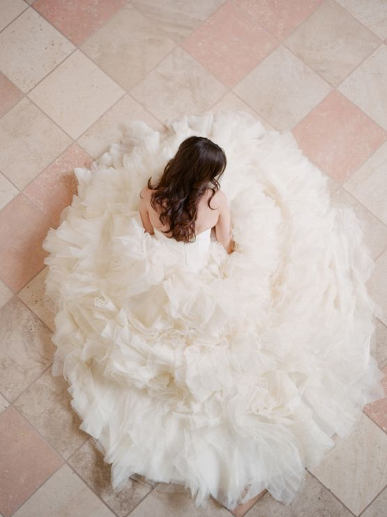 13 Ruffle-y, Feather-y Wedding Ideas for Ultra-Feminine Brides!
