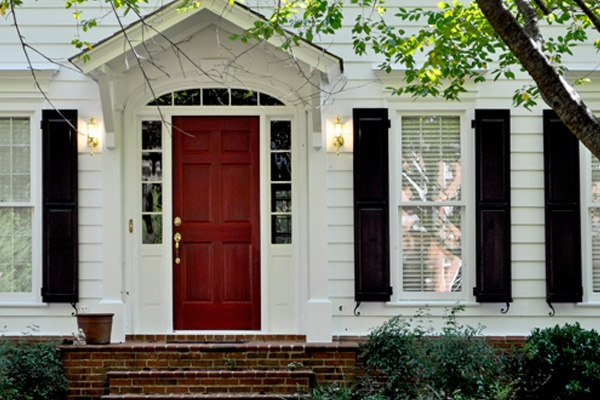 #Black makes a great shutter color paired with white and a beautiful red door