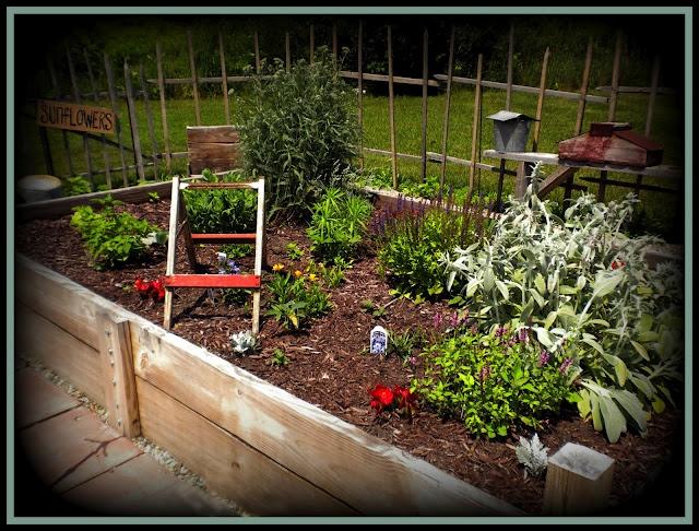 Country backyard landscaping ideas - Found On Primpyourpad3 Blogspot Com