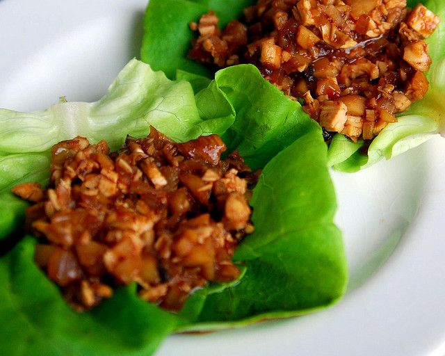 Spicy Chicken and Basil Lettuce Wraps | This is a low carb alternative ...