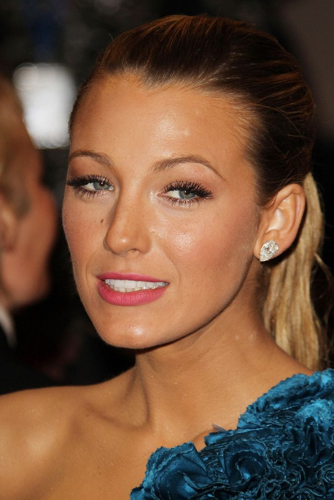 blake lively red dress makeup - photo #30