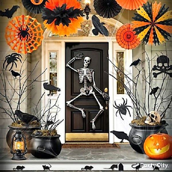 Easy Party City decor. The Domestic Curator: FUN OUTDOOR HALLOWEEN DECOR