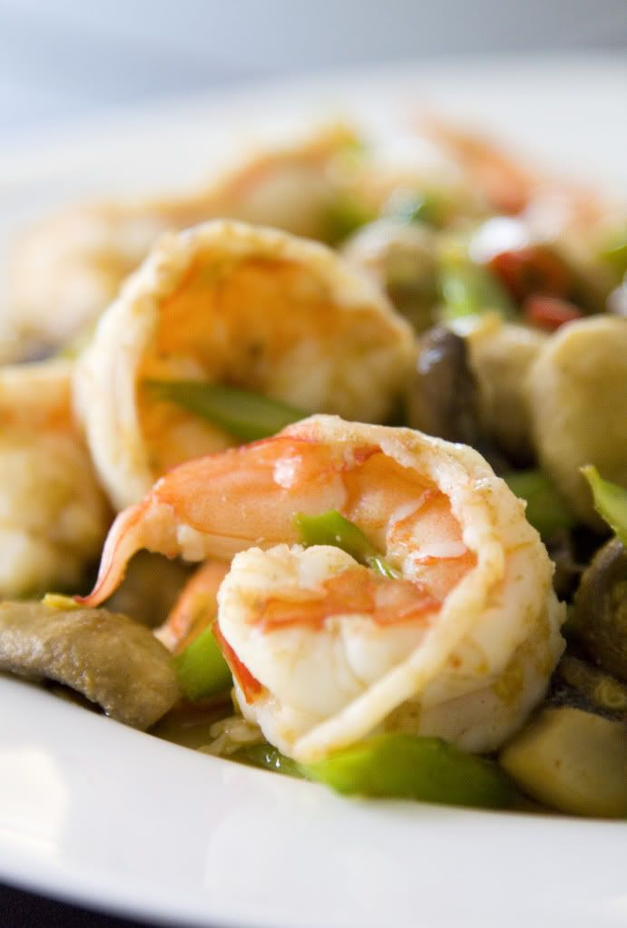 Food Makes Me Happy: Spicy and Garlicky Stir Fry Shrimps with ...