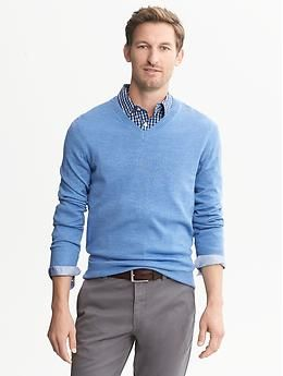 Can You Wear A Polo Shirt Under A V Neck Sweater