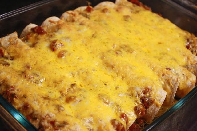 Slow-Cooker Verde Pork Enchiladas | South of the Border | Pinterest