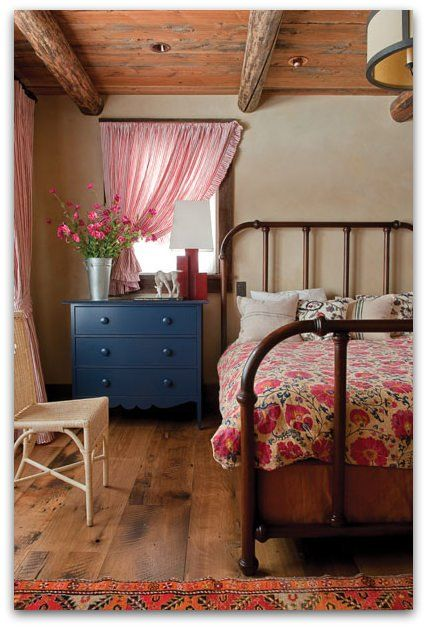 Pretty colors and patterns that make a small space cozy