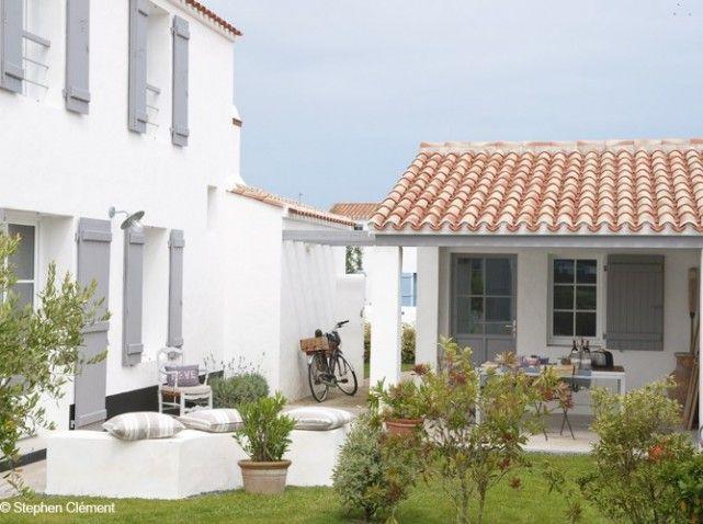 Noirmoutier maison blanche volets gris facade for Facade blanche volet gris