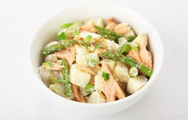 Hot smoked salmon potato salad with asparagus and horseradish dressing