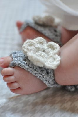 barefoot baby sandals - Free crochet pattern