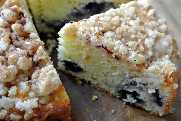 Blueberry {Lemon} Crumb Cake | Let Them Eat Cake and Cupcakes! | Pint ...