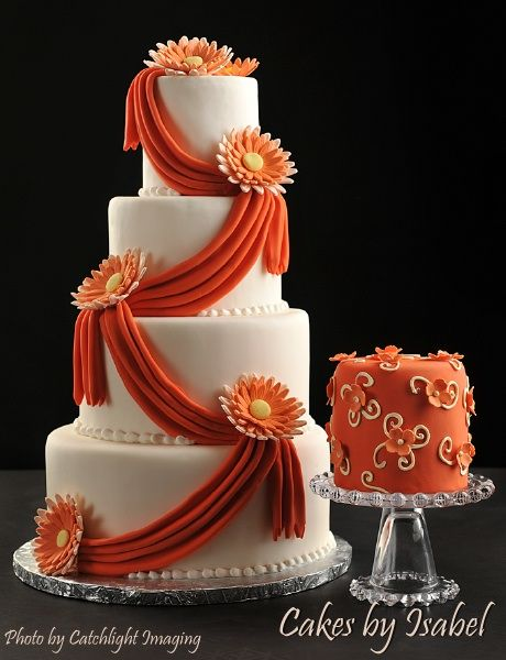 Cakes by Isabel, located in Waterloo, Iowa is ready to create a gorgeous, unique cake for you! With a specialty in creating handmade gum paste flowers, a beautiful addition can be placed on your cake!
