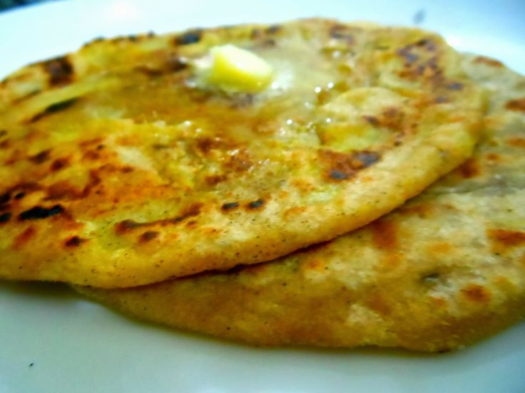 Aloo paratha/Potato stuffed Indian bread | Vegetarian/from-scratch he ...
