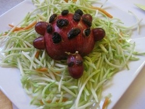 """Ladybug Salad—with """"speech snacks"""" for /l/ sentences -  Pinned by @PediaStaff – Please Visit http://ht.ly/63sNt for all our pediatric therapy pins"""