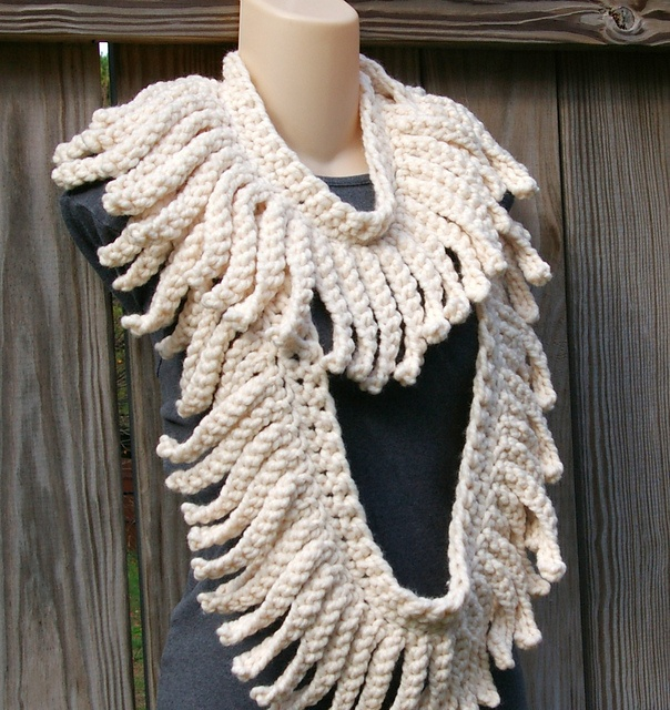 Free Crochet Pattern For Infinity Scarf With Fringe : Chunky Eyelash Fringe Infinity Scarf pattern by Candaces ...