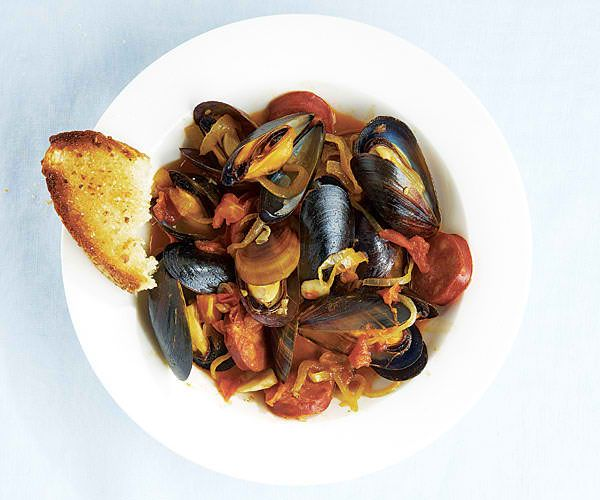 Steamed Mussels with a Spicy Caper Broth | Recipingo.com | Pinterest