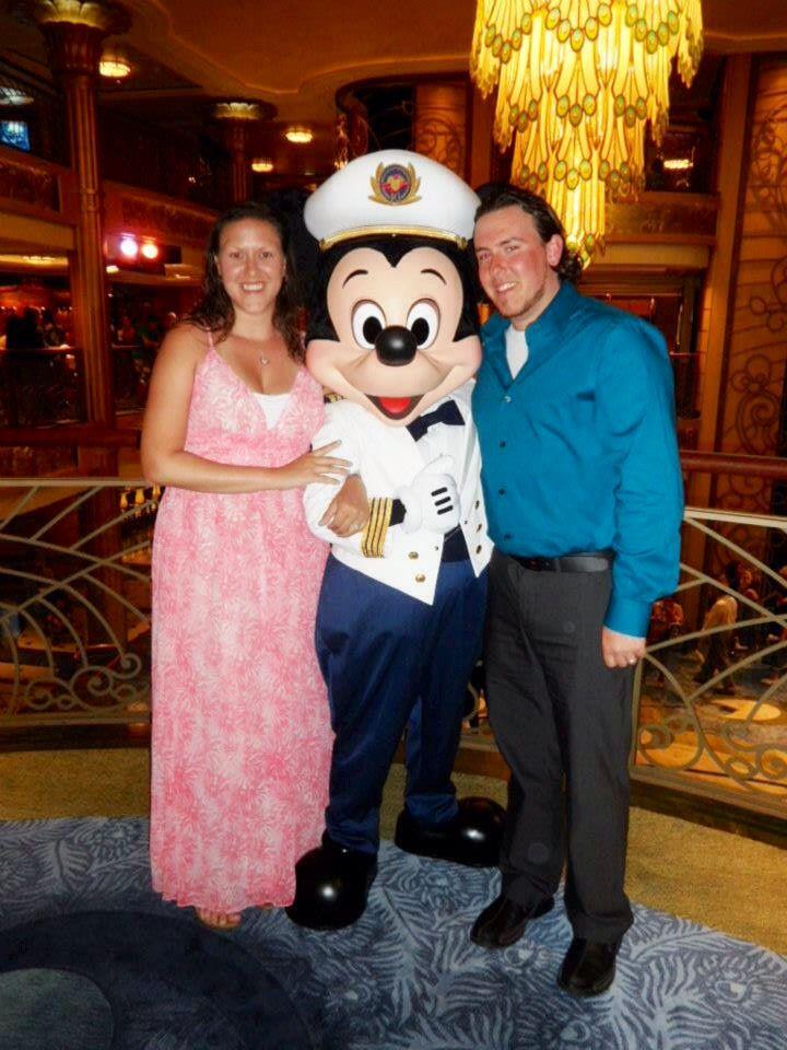 Â�ルーズ船フォーマルナイトの服装 Ů�船のドレスコードと乗客のファッション