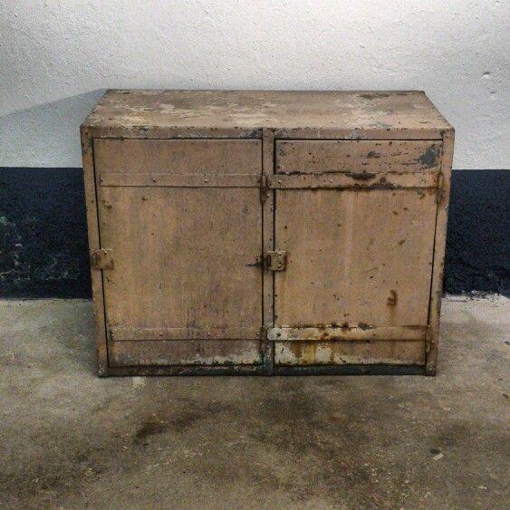 Metalen dressoir kast  Collectie Twindustrial  Pinterest