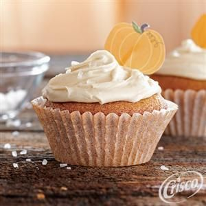 Pumpkin Cupcakes with Salted Caramel Frosting from Crisco®