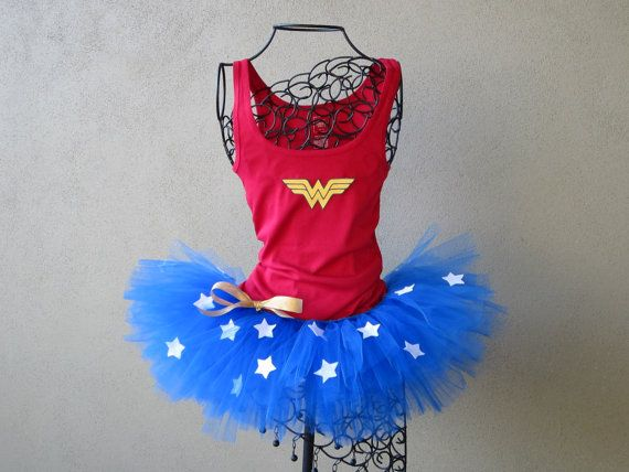 I love this Wonder Woman running tutu and tank. @Mindy Lemons you totally need this!!!