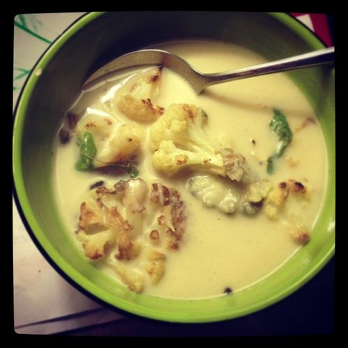 Roasted Cauliflower, Mushroom, and Arugula Soup--- from potlikkery.com