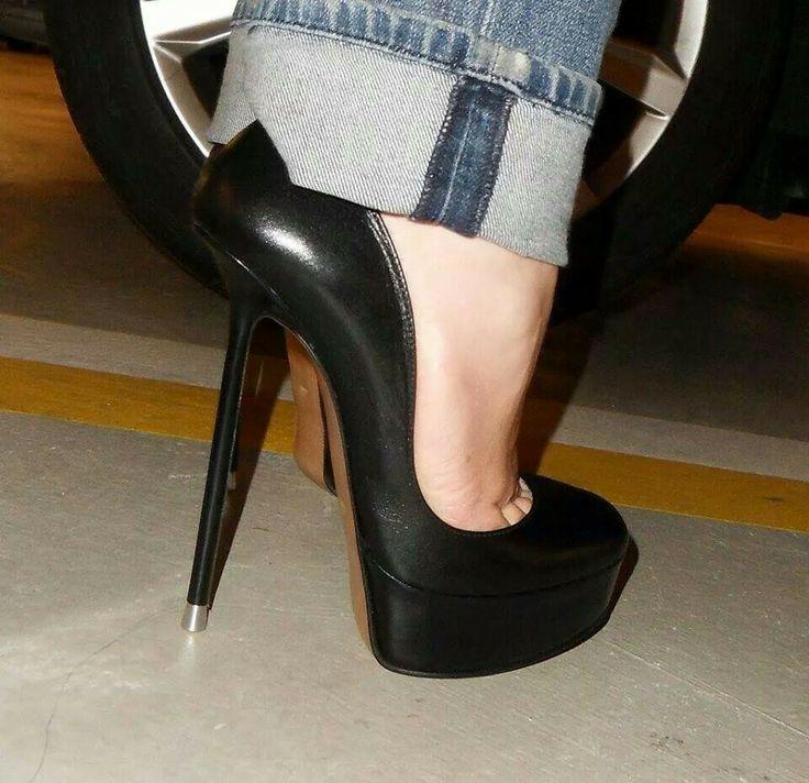 trampling heels фото