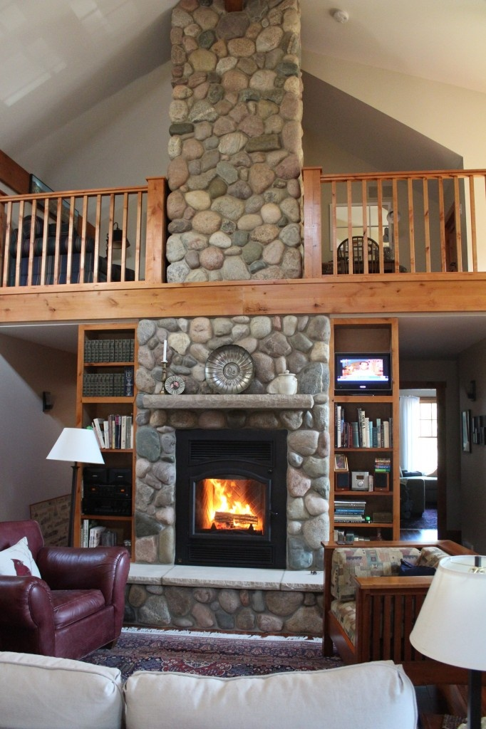 rock fireplace rustic furniture pinterest 34 beautiful stone fireplaces that rock