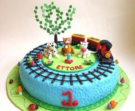 Cake With Train Design : Puppies & Kittens Train Cake Creative Cakes Pinterest