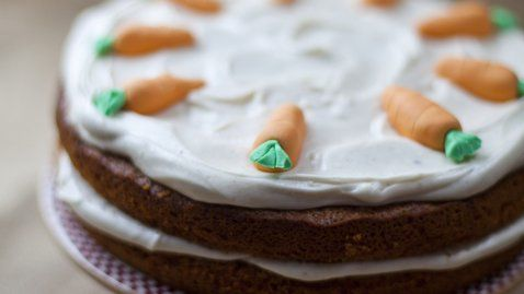 Carrot and Cardamom Cake with Cinnamon Cream Cheese Frosting - Donal ...