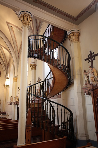 Best Miraculous Staircase At Loretto Chapel Beauty Around The 400 x 300
