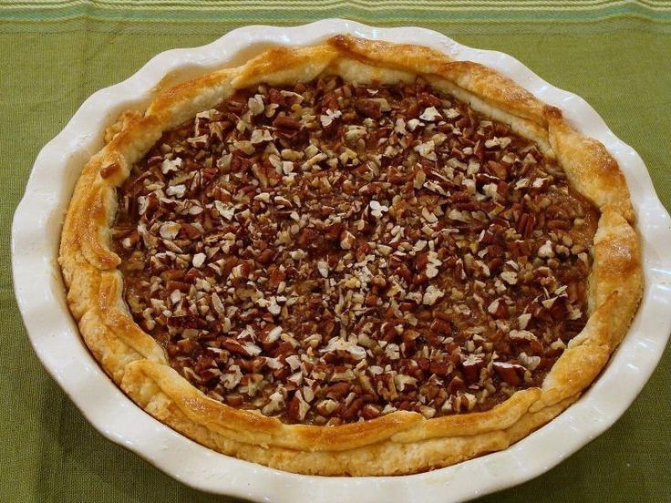 Caramel Pecan Pumpkin Pie | La Petite Cuisiniere | Pinterest