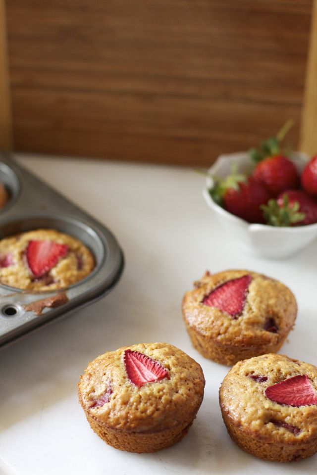 Strawberry & Honey Oatmeal Muffins | Food I Want to eat | Pinterest