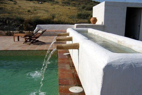 A LA PLANCHA    Located inside the natural park Cabo de Gata, a beautiful and authentic cortijo.