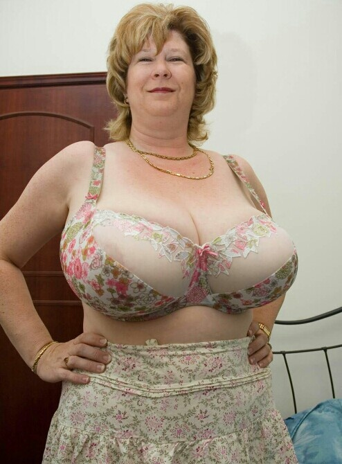 1000+ images about Busty Beautiful Women on Pinterest ...
