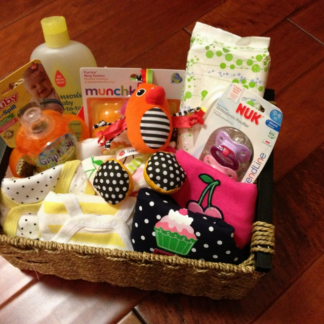 Baby Gift Basket Themes : Baby shower gift basket ideas